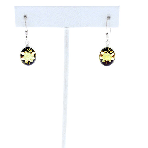 Intaglio/Cameo Amber Flower Earrings