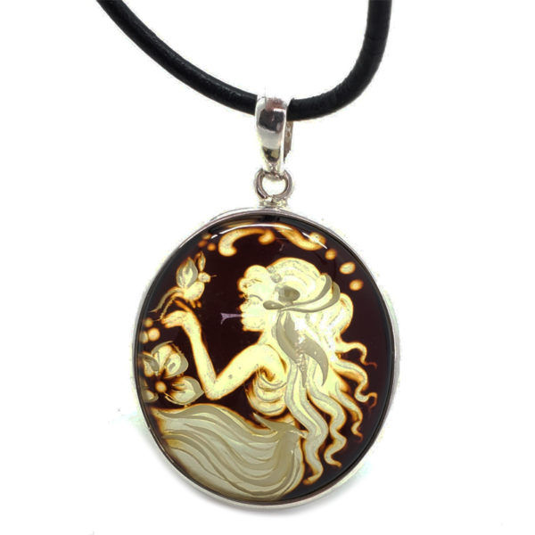 Hand Carved Amber Lady Cameo Pin/Pendant